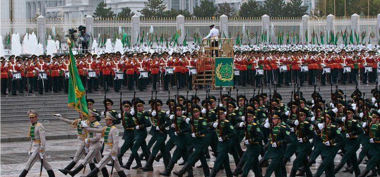 بررسی تجهیزات ارتش ترکمنستان