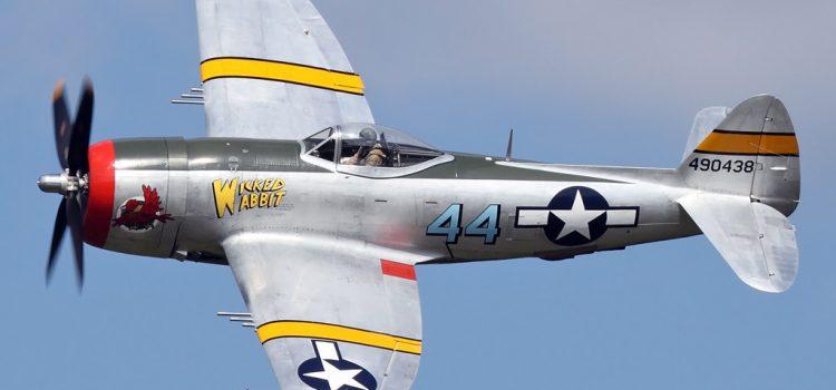 جنگنده بمب افکن P-47 تاندربولت