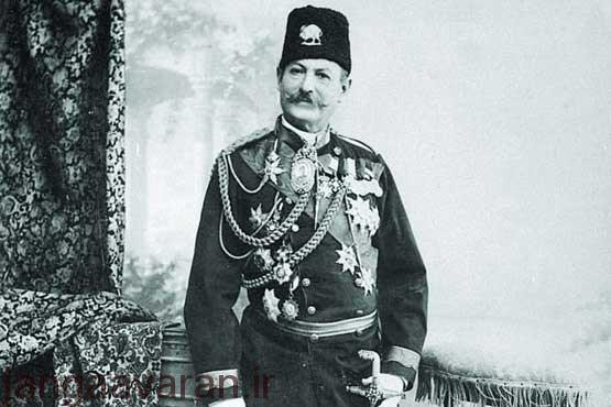 کنت دومونت فور کلنل اتریشی که برای ساخت اداره نظمیه به ایران آمد