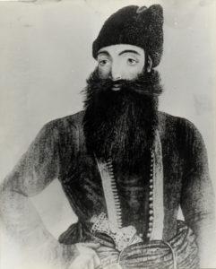 عباس میرزا ولیعهد شایسته فتحعلیشاه او تلاش زیادی برای نوسازی ارتش ایران کرد