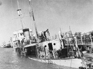 ناو ببر در حال غرق شدن در جریان حمله متفقین