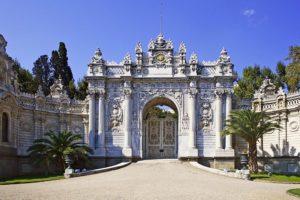 کاخ دلمه باغچه نمادی از رفتارهای متناقض و جنون آمیز سلاطین عثمانی در قرن 19 میلادی بود