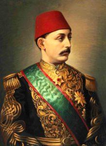 سلطان مرادپنجم. او با کودتای مدحت پاشا بعد از عبدالعزیز به سلطنت رسید اما به دلیل جنون کامل حکومتش تنها 93 روز طول کشید