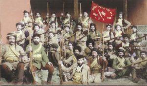 تفنگداران ارمنی مدتی بعداز آغاز کشتار ارامنه برای دفاع از ارمنی ها به وجود آمدند