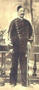 احمد عرابی پاشا. او برضد خدیو توفیق و نفوذ انگلستان یک شورش عظیم برپا کرد اما راه به جایی نبرد