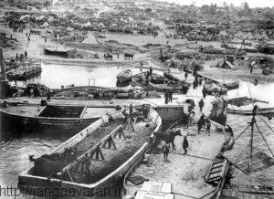 قایق های متفقین در سواحل گالیپولی