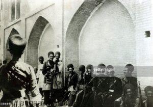 وضعیت سربازان ایرانی در سال های جنگ جهانی اول. نبود ارتش منظم و قدرتمند باعث تاخت و تاز بیگانگان در خاک ایران شده بود