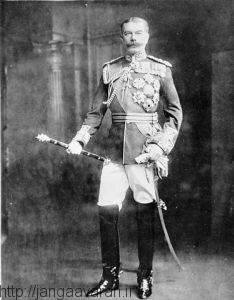 ژنرال کیچنر وزیرجنگ بریتانیا. نامه نگاری های او و عبدالله بن حسین باعث آغاز انقلاب عربی شد