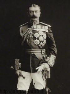 ژنرال کیچنر معروف ترین قهرمان جنگی امپراتوری بریتانیا بود . او در مقام وزیر جنگ بشدت مخالف تشکیل دولت یهودی در خاورمیانه بود