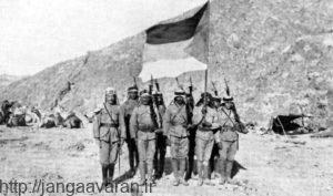 شورشیان عرب در شمال شبه جزیره عربستان. نزدیک شدن شورش اعراب به میدان های جنگ عثمانی و انگلستان ترکها را با دردسرجدی مواجه کرد