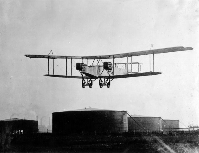 بمب افکن هندلی پیچ. این هواپیما در عملیات مگیدو بمباران خرد کننده برضد نیروهای ترک و آلمانی انجام داد