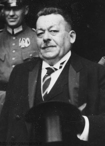 فردریش اربرت صدراعظم آلمان. با انتخاب او پرونده امپراتوری آلمان و جنگ جهانی اول یک جا بسته شد