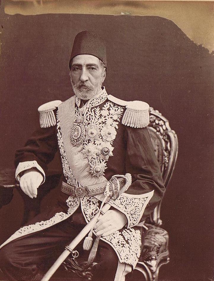 شاهزاده مراد میرزا حسام السلطنه پسر عباس میرزا و عموی ناصرالدین شاه. او در جنگ هرات موفق به فتح این شهر شد و لقب شیر ایران گرفت