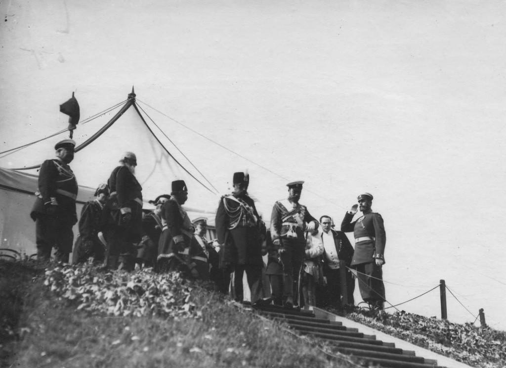 مظفرالدین شاه و تزار نیکلای دوم در جریان اولین سفر شاه قاجار به اروپا