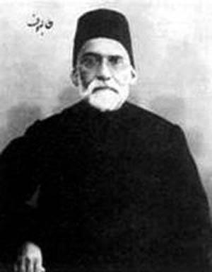 عبدالرحیم طالبوف. این نویسنده روشنفکر توسط شیخ فضل الله نوری تکفیر شد و به همین دلیل دیگر به ایران بازنگشت