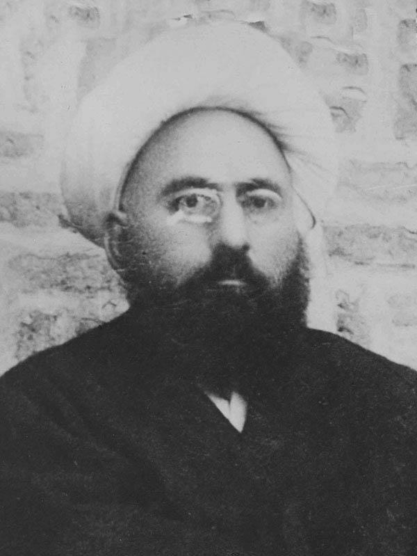 ثقه الاسلام تبریزی یکی از اولین آزادی خواهان دستگیر شده توسط ارتش روسیه در تبریز