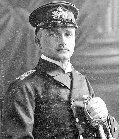 ویلهلم واسموس افسراطلاعاتی ارتش آلمان قبل از تغییر قیافه در ایران