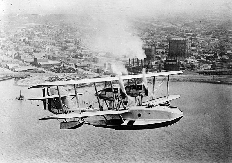 File:PN-9 flying boat in flight 1920s.jpg