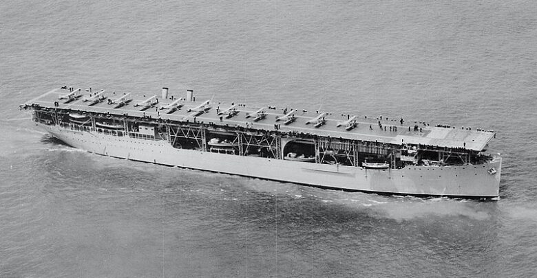 USS Langley (CV-1) underway in June 1927 (cropped).jpg