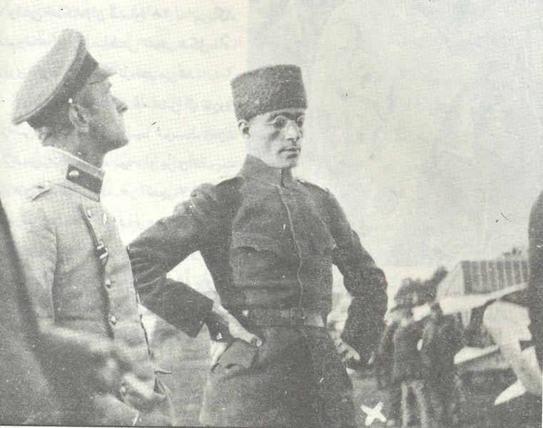 یاور محمد تقی خان یا کلنل تقی خان پسیان بعدی. او به عنوان یکی از فرماندهان کمیته مقاومت ملی موفق به تصرف همدان شد