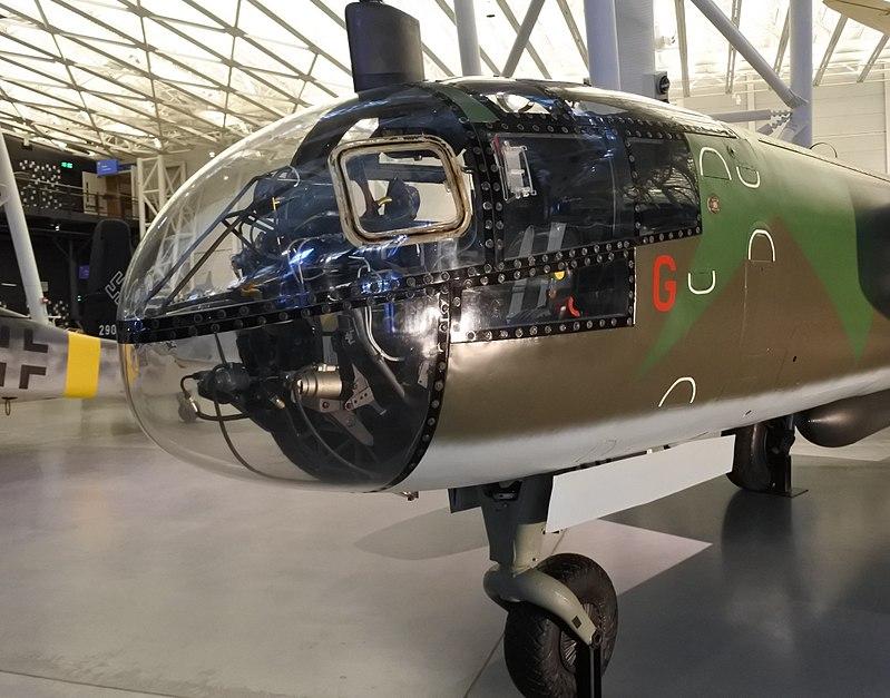 H:\800px-Arado_Ar_234_B-2_nose.jpg