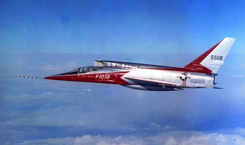H:\مقالات هوانوردی\F-107A\2cda63ff17aca21b4aaf38832317390f.jpg