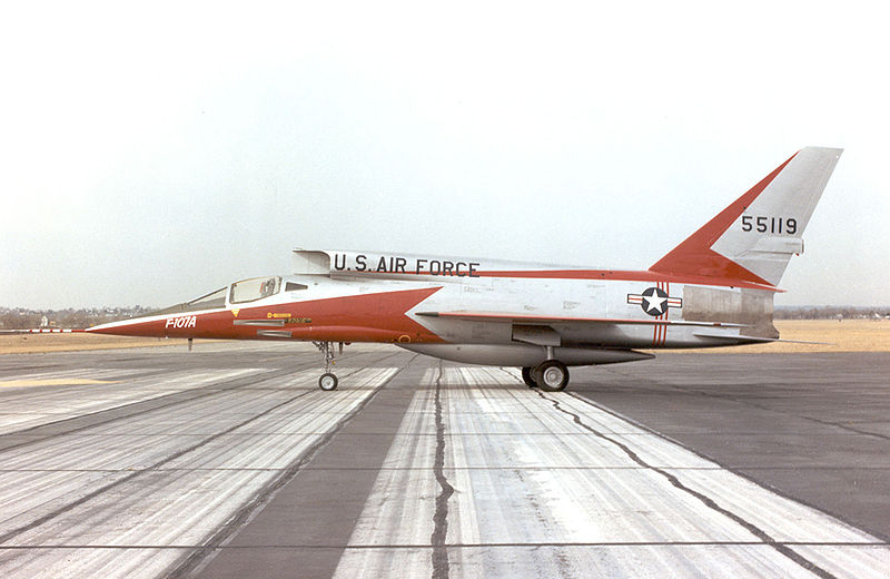 H:\مقالات هوانوردی\F-107A\800px-North_American_F-107A.jpg