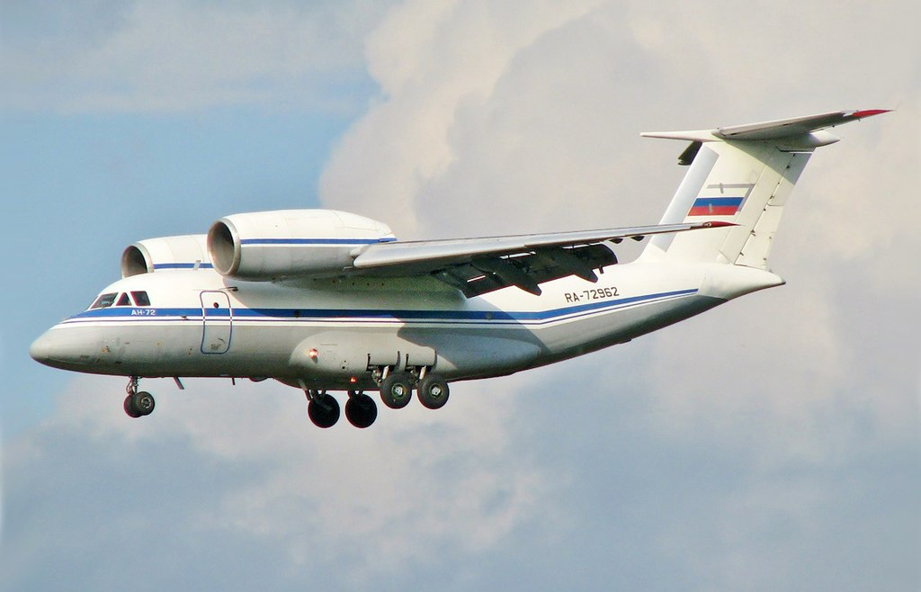 H:\1024px-Russian_Air_Force_-_Antonov_An-72.jpg